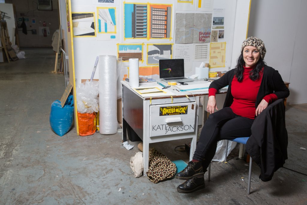 two_queens_artist_kate_jackson_in her_studio_space_image_by_dave_wilson_clarke